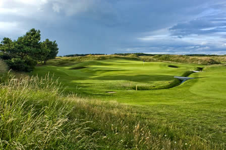 2 nights B&B - rounds at Gailes Links, Dundonald Links & Irvine Bogside