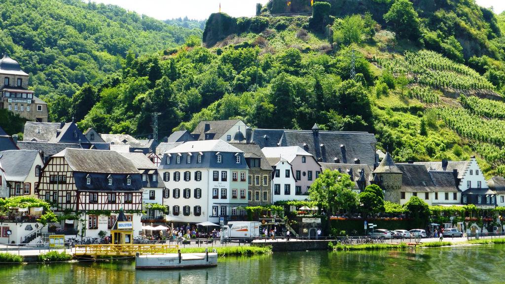 Single-Bayern in Party-Laune - Saisonnote «Zwei plus» - Rhein ...