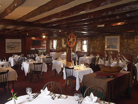 Dining in lower largo crusoe bar castaway restaurant for Food bar manufacturers uk