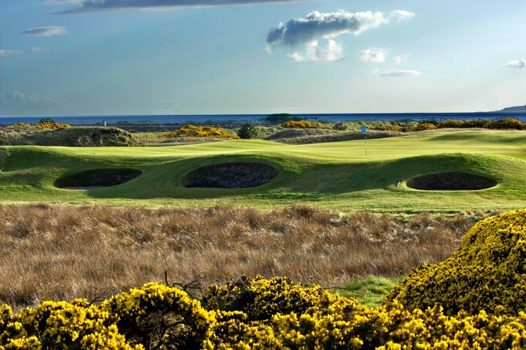 Dundonald Links 11th Hole.jpg