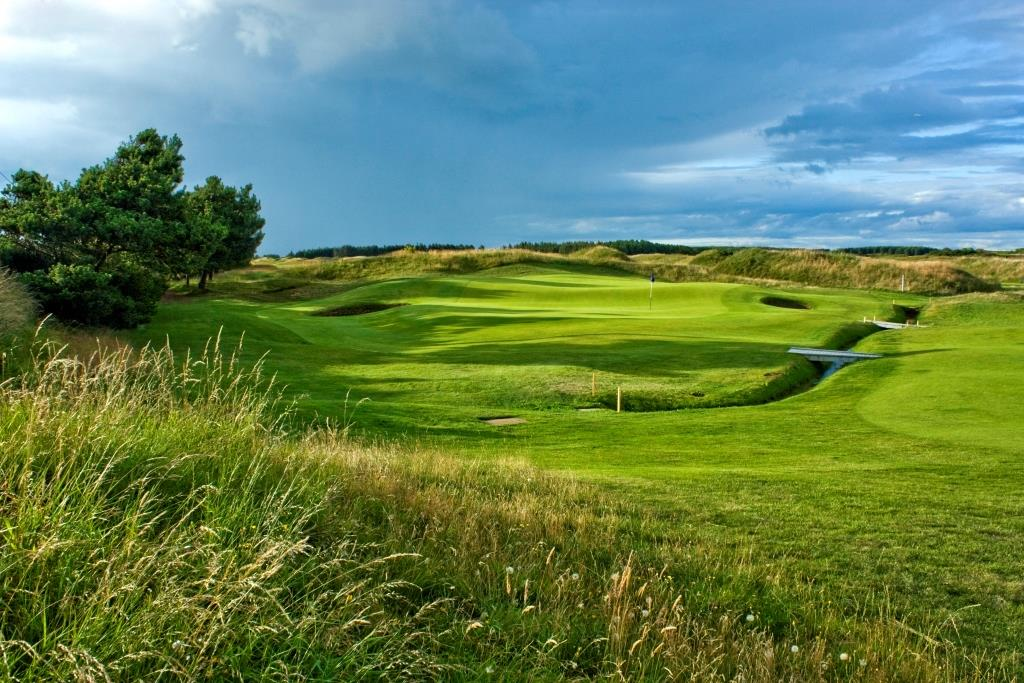 Dundonald Links 13th Hole.jpg