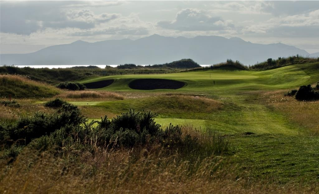 Dundonald Links 15th Hole.jpg