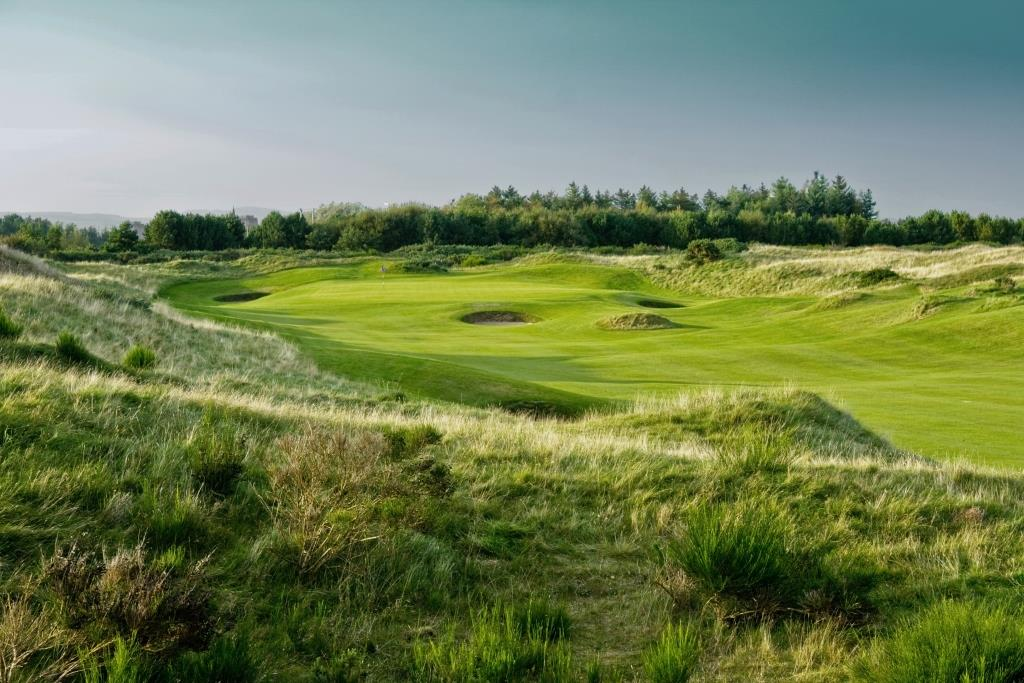 Dundonald Links 2nd Hole.jpg