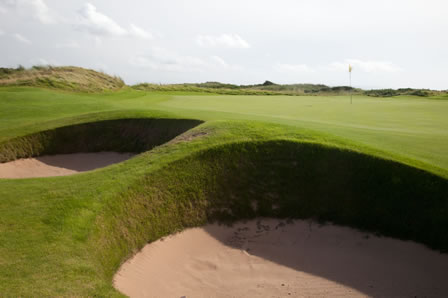 3 Nights B&B, 3 rounds at Dundonald Links, Irvine GC & Barassie Links £390pp