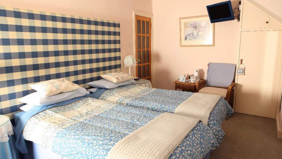Guest Bedroom at Kinnaber B&B in Edzell