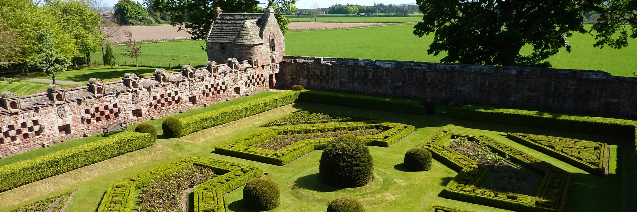 Gardens in Angus & Dundee