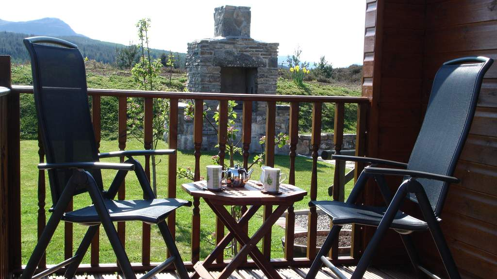 Outdoor Seating at Binnilidh Mhor