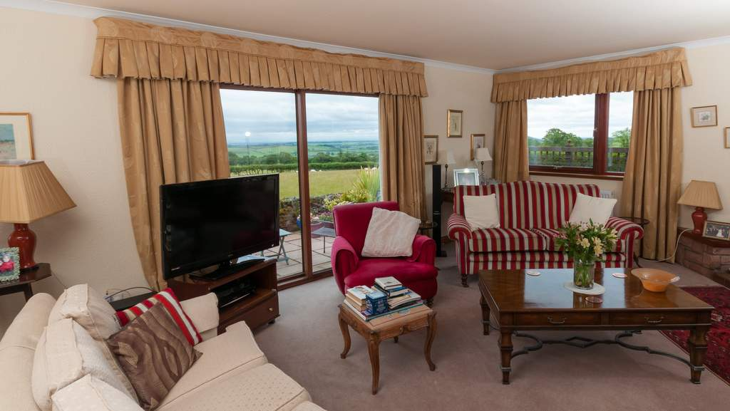 Guest Lounge at Torbeckhill
