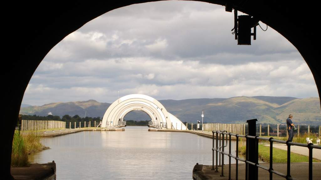 Approach to the Falkirk Wheel