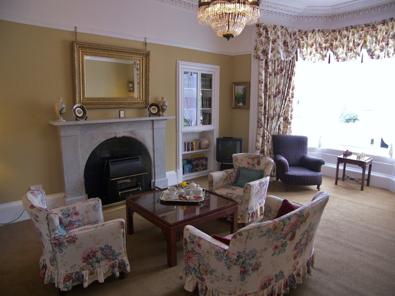 The guest lounge at Annfield Guest House, Callander