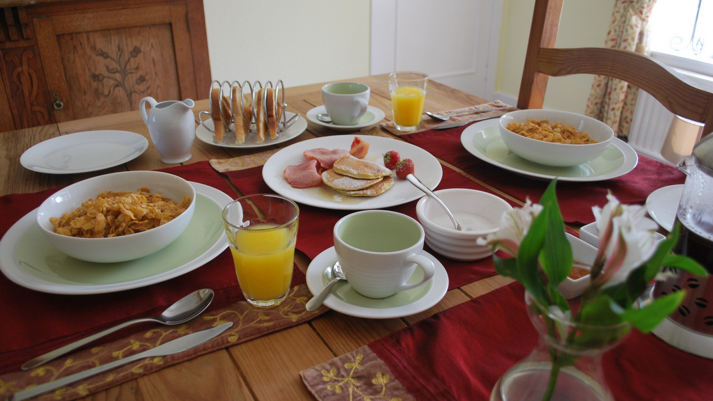 Delicious breakfasts at Lots Cottage< Callander