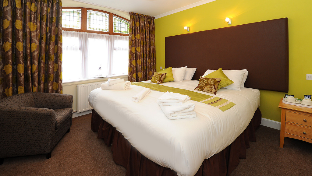 Comfortable modern accommodation at the Crown Hotel In Callander, The Trossachs, Scotland