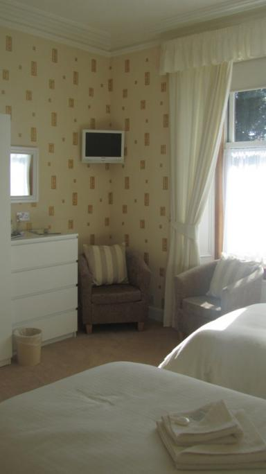 Double bedroom at Glengarry Giest House , Callander, The Trossachs