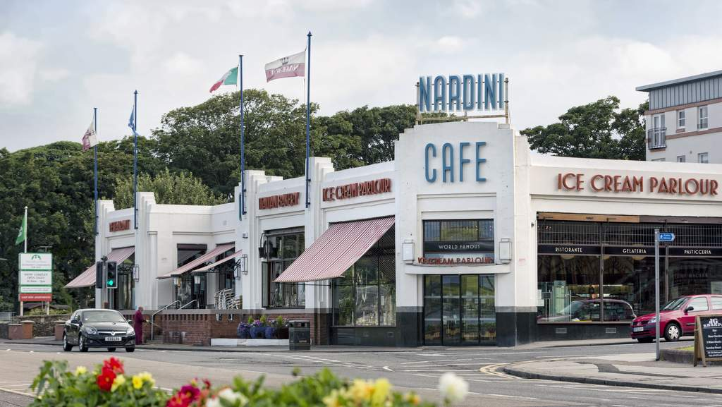 Nardinis Esplande Café