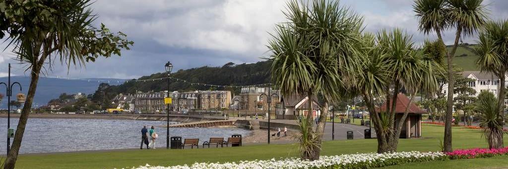 The esplanade at Largs.jpg
