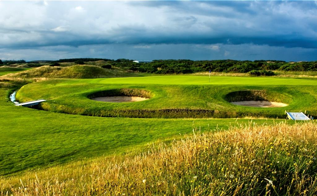 Dundonald Links 9th Hole.jpg