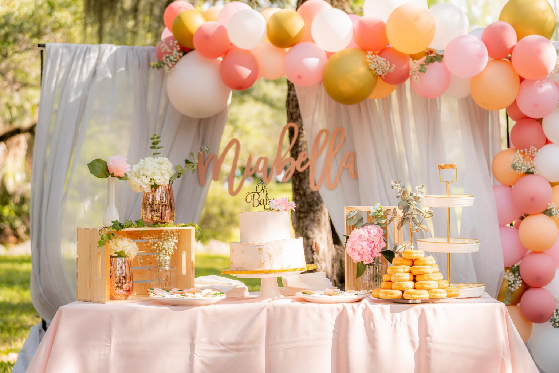 dessert-table-3593428.jpg
