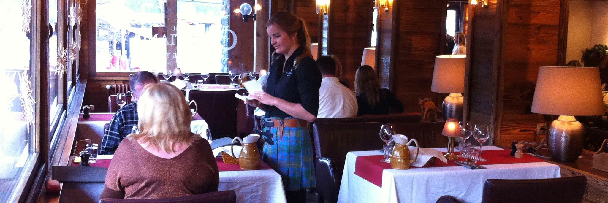 restaurant-waitress-taking-order.jpg