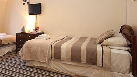 Book direct with Keeru's Guest House